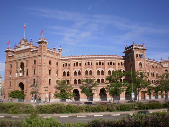Bullfight in madrid - overview of plaza de toros las ventas, madrid, the country - tripadvisor to the bull