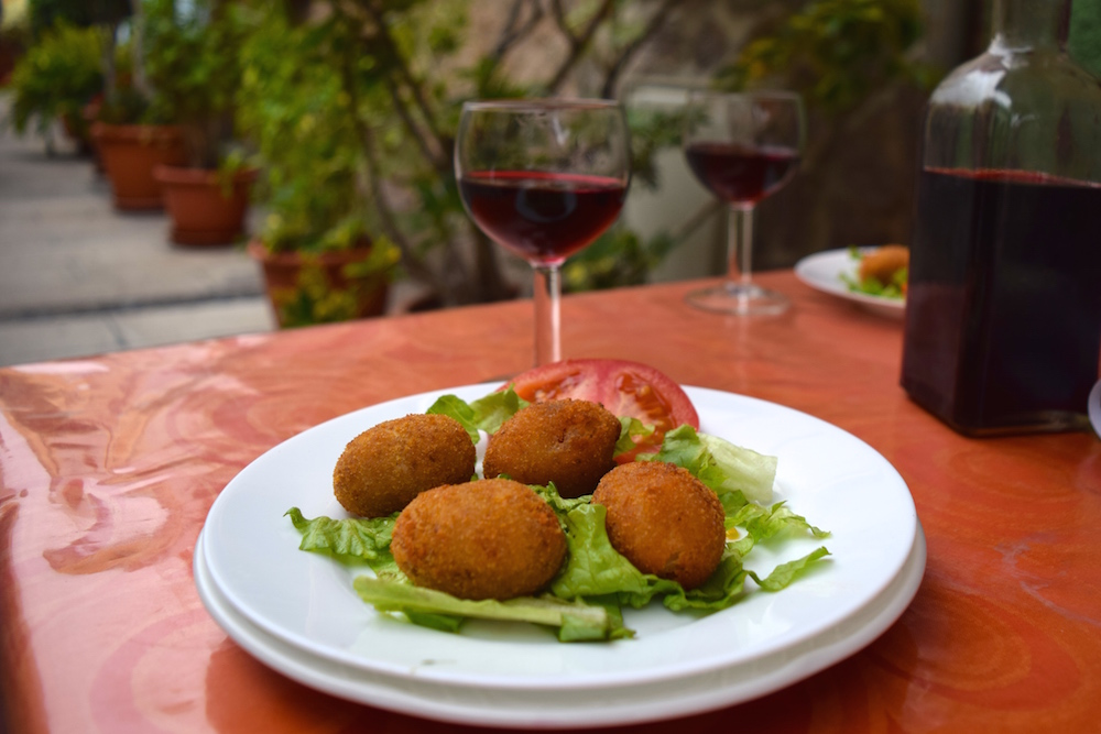 One of the best Spanish dinner foods: croquettes